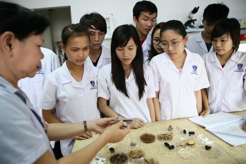Năm 2018, Cao đẳng Dược Hà Nội tuyển sinh như thế nào?