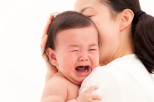 Những nguyên nhân nào dẫn đến cân nặng trẻ 1 tháng tuổi thiếu hay thừa?