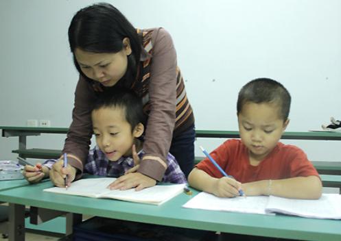 Một số cách dạy trẻ lớp 1 viết đúng chính tả hiệu quả