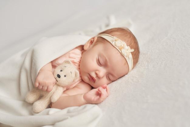 trẻ 1 tháng tuổi bị khản tiếng